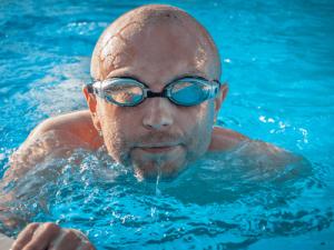 Kurs Lære å svømme voksen